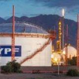 """Het Argentijnse staatsoliebedrijf YPF verklaart in de westelijke provincie Mendoza 'tight gas' te hebben gevonden. Dit is een type gas dat opgesloten zit in reservoirs van hard gesteente met een geringe doorlaatbaarheid. Volgens YPF was er ook een """"belangrijk potentieel"""" voor olie aangetroffen. (2014-06-02) (economie)"""