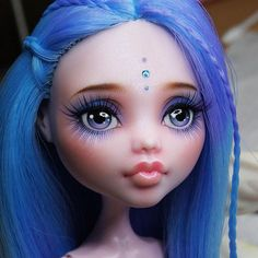 https://flic.kr/p/ym8Cov | I still have to finish some details of her face up and clothes but I hope to put her on sale this month in my etsy shop. I will report on facebook and my other social networks. The photo doesn't have good ligth, I'll take better pictures when she is finis