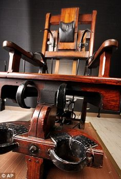 'Old Sparky' electric chair which executed 315 death row inmates to go on display for the first time in 80 years Old Sparky, Electric Chair, Prison Cell, Fantasy Setting, Funky Furniture, History Museum, Middle Ages, The Row, To Go