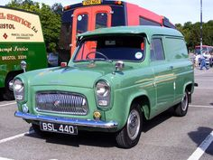 Classic Trucks, Classic Cars, Old Lorries, Day Van, Vintage Vans, Special Delivery, Unique Cars, Old Cars, Motors