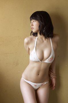 Riho Yoshioka-Pinup