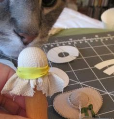 Casey's Minis: Only One Pattern Piece.... hat tutorial