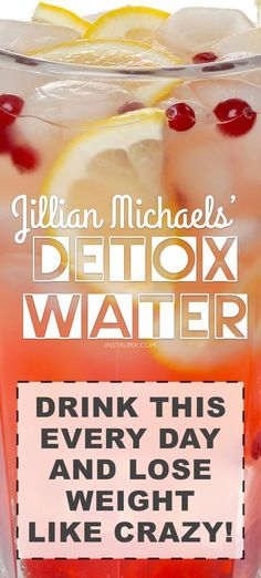 Detox Water Recipe To Lose Weight Fast! Ingredients + Water) Cleansing detox water recipe to lose weight fast! These 3 ingredients are natural diuretics, helping you shed the bloat and excess water. They also assist in fat burning and appetite suppressi Healthy Detox, Healthy Drinks, Healthy Water, Vegan Detox, Healthy Recipes, Dinner Healthy, Eating Healthy, Healthy Meals, Delicious Recipes