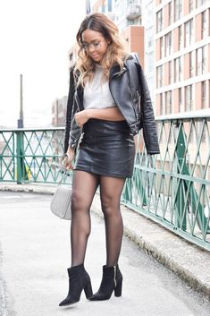 Skirt mini winter leather jackets 56 ideas for 2019 Mini Skirt Outfit Winter, Tights Outfit Winter, Black Leather Skirts, Leather Dresses, Faux Leather Skirt, Friday Outfit For Work, Winter Leather Jackets, Sexy Legs And Heels, Hot Outfits