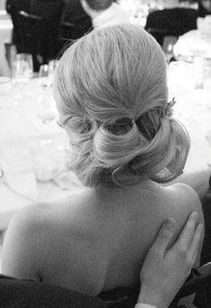 Wedding Hairstyle Inspiration - Photo: Karen Hill Photography