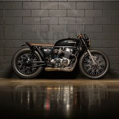 Killer wheels  #cb750 #hondacaferacers""