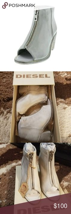 """🆕DIESEL OPEN TOE BOOTIE You'll steal the show in this white Chelsea Show Cox bootie by Diesel. It is a white distressed leather with open toe and front zip closure. Heel height 2 3/4"""". Diesel Shoes Ankle Boots & Booties"""
