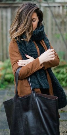 fall outfit ideas brown jacket + scarf