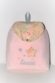 Sac à dos enfant adelajda liberty of London rose/gris personnalisé brodé au prenom : Sacs enfants par lbm-creation