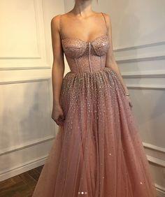 Платье от Teuta Matoshi Duriqi | Блогер Jill_Morris на сайте SPLETNIK.RU 9 февраля 2018 | СПЛЕТНИК