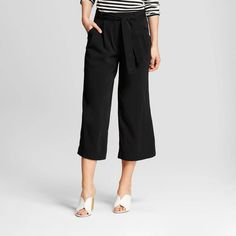 Women's Wide Leg Relaxed Paperbag Pants - Who What Wear Black 2 Cinema Outfit, Fashion Pants, Girl Fashion, Paperbag Pants, New Fashion Trends, Comfortable Outfits, Wearing Black, Who What Wear, Cropped Pants