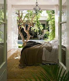 Abrid ventanas y respirad profundo! A vivir un nuevo día ;) #buenosdias #goodmorning #love #decoracion #interiores #interiordesign #luz #light #bedroom #habitacion #chic #romantico #jueves #verde #ventanal #picoftheday #trucosparadecorar