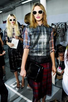 LE FASHION BLOG DRIES VAN NOTEN SPRING SUMMER SS 2013 ROUND WHITE SUNGLASSES EASY SHORT WAVY HAIR PLAID PLAID SHIRT PRINT SKIRT SILVER TUX JACKET  METALLIC HOUNDSTOOTH RED PINK LIPS BEAUTY PATENT OVERSIZED CLUTCH BACKSTAGE