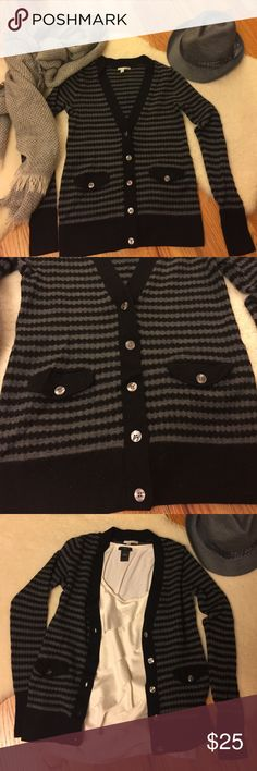 100% merino wool cardigan Beautiful 100% merino wool cardigan in like new condition. Size M, but I usually wear size S and this cardigan fits me very well. Halogen Sweaters Cardigans