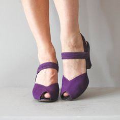 Shop for shoes on Etsy, the place to express your creativity through the buying and selling of handmade and vintage goods. 1940s Shoes, Vintage Shoes, Vintage Accessories, Vintage Clothing, Purple Shoes, Red Shoes, 1940's Fashion, Fashion Shoes, Fifties Fashion