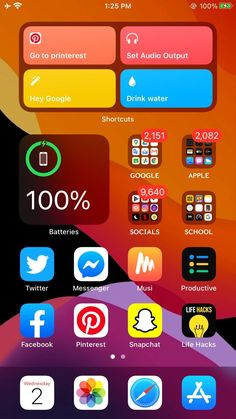 Stripe Iphone Wallpaper, Phone Wallpapers, Organize Apps On Iphone, Ios 7 Design, Iphone App Layout, Phone Themes, Life Hacks For School, New Ios, Phone Organization