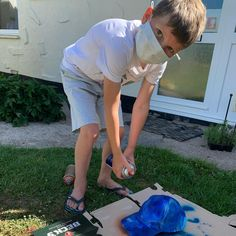 Designer in the making.  Recycling an old baseball cap using spray paint #recycledfashion #recyclereuse #baseballcap #mysontheartist #mumofboys #sonsanartist #spraypaint #lockdowncreativity #boys #mumboss  #workingmum #lovemyboys #gettingcreative #milliner #designer #fashion ##oasisspray #creatingnew #fashionstyle #hats #millinery #alldunnup Fascinator Hats, Fascinators, Working Mums, Recycled Fashion, Love My Boys, Ascot, Kentucky Derby, Baseball Cap, Recycling