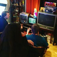 On instagram by jakobaberg #nes #microhobbit (o) http://ift.tt/1JwB90X i Retro Rumble 2016 avgörs i världens mest kända spel: Pong!  #gaming #videogame #graphic #cibsunday #pc #cd #fantasy #game #computer #cib #adventure #videogames #retrogaming #retro #nintendolife #tmnt #daywellspent  #ninjaturtles #segaretro #sonyjapan #whensegawasking #boxart #phantasystar #segajapan #mastersystem #rpg #segaages2500 #sony #pong