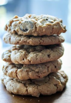 oat choc chip stacked close up Delicious Cookie Recipes, Easy Cookie Recipes, Cookie Desserts, Yummy Cookies, Just Desserts, Dessert Recipes, Yummy Food, Bar Recipes, Tasty