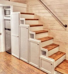Roomy Retreat THOW by Sierra Tiny Houses 009 This is the Roomy Retreat Tiny House on Wheels by Sierra Tiny Houses. Tiny House Loft, Tyni House, Tiny House Stairs, Tiny House Storage, Tiny House Trailer, Tiny House Living, Tiny House Plans, Tiny House Design, Tiny House On Wheels