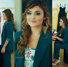 Hayat and murat Turkish Fashion, Turkish Beauty, Asian Fashion, Beautiful Celebrities, Beautiful Actresses, Beautiful Girl Names, Cute Girl Poses, Stylish Girl Pic, Handsome Actors