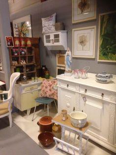 Brocante vintage meubels en woonaccessoires  by DBM  verkoop punt  woonwarenhuis Gaaf Beverwijk