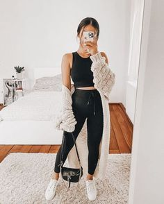 Source by tamelbe Comfy outfits # Casual Outfits simple everyday Lazy Outfits, Cute Comfy Outfits, Everyday Outfits, Trendy Outfits, Winter Fashion Outfits, Look Fashion, Spring Outfits, Womens Fashion, Fashion Fall