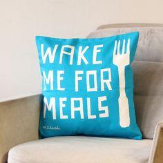 Kissen - *Wake Me For Meals* Kissenbezug // türkis - ein Designerstück von Zubinski bei DaWanda