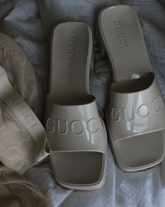 Pretty Shoes, Cute Shoes, Me Too Shoes, Clueless Fashion, Gucci, Beige Aesthetic, Shoe Game, Aesthetic Clothes, Fashion Shoes