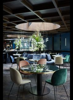 Salon Le Roch Hotel & Spa - Restaurant City Lighting Products https:CityLightingProducts Restaurant Design, Decoration Restaurant, Deco Restaurant, Luxury Restaurant, Hotel Decor, Design Hotel, Restaurant Lighting, Restaurant Ideas, Restaurant Chairs