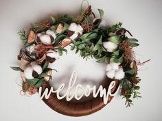 Coronita pentru usa de toamna frunze artificiale si bumbac Handmade by Deco-Ad Grapevine Wreath, Grape Vines, Wreaths, Doors, Album, Ideas, Home Decor, Crowns, Decoration Home
