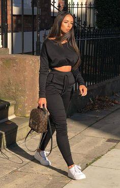 Black crop jumper loungewear set loungewear femme luxe femme luxe us Cute Comfy Outfits, Sporty Outfits, Stylish Outfits, Cool Outfits, Fashion Outfits, Fashion Top, Office Outfits, Fashion Vest, Ootd Fashion