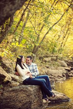 Colorful leaves | Fall Engagement Inspiration | Blume Photography