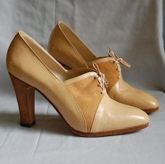 The Camel Brown Suede And Leather Oxford Heels...vintage 1970s high heel boots 7.5