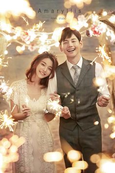 Wedding Jobs, Pre Wedding Shoot Ideas, Pre Wedding Photoshoot, Wedding Couples, Wedding Styles, Korean Wedding Photography, Wedding Couple Poses Photography, Wedding Portraits, Photography Poses