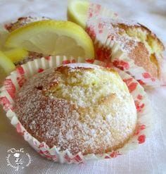 Mufin al limone Muffin Recipes, Cookie Recipes, Dessert Recipes, Cupcakes, Cake Cookies, Italian Desserts, Italian Recipes, Cake Pops, Lemon Muffins