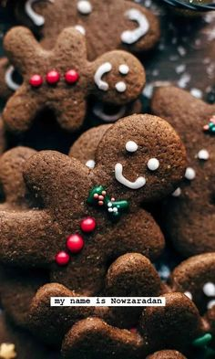 This easy Gingerbread Men Cookies recipe is a must-have. Intense in flavors! Ginger cinnamon allspice cloves nutmeg vanilla and lots of molasses. Christmas Feeling, Winter Christmas, Christmas Time, Merry Little Christmas, Christmas Baubles, Country Christmas, Christmas Baking, Christmas Treats, Christmas Desserts