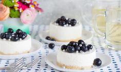 Mini yoghurttaartjes met blauwe bessen recept | Dr. Oetker