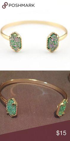 💥LAST ONE💥New marine green druzy bracelet! New never worn still in package! Necklace & earrings available as well Jewelry Bracelets