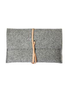 Pochette i-pad mini en feutre gris via Goodmoods
