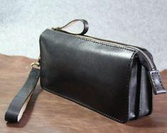 Items similar to Handmade genuine leather handbag-Wristlet bag-Clutch bag-Black leather on Etsy Leather Laptop Bag, Leather Purses, Leather Shoulder Bag, Leather Handbags, Leather Wallet, Leather Bags Handmade, Handmade Bags, Cow Leather, Black Leather