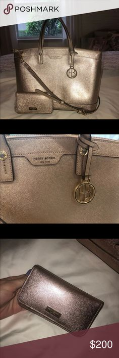 39a7134019 Large Henri Bendel Purse and matching wallet