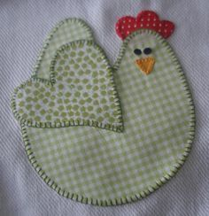Pano de prato, you knew where I would put this chicken pattern--db Wool Applique, Applique Patterns, Applique Quilts, Applique Designs, Embroidery Applique, Quilt Patterns, Machine Embroidery, Embroidery Designs, Sewing Patterns