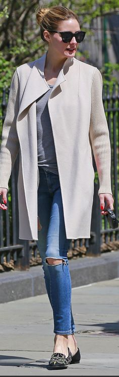 Who made Olivia Palermo's tan ribbed coat and black sunglasses? Estilo Olivia Palermo, Olivia Palermo Outfit, Olivia Palermo Lookbook, Olivia Palermo Style, Looks Street Style, Casual Street Style, Casual Chic, Elsa, Vogue