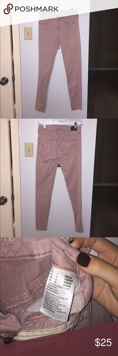 American Eagle Dusty Pink Jeans super stretch sateen leggings!! super cute and comfy, they've been worn but pretty much look new! American Eagle Outfitters Pants Skinny