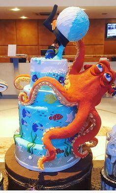 a dory cake Fondant Fish, Fondant Cakes, Cupcake Cakes, Unique Cakes, Creative Cakes, Beautiful Cakes, Amazing Cakes, Dory Cake, Octopus Cake