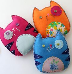 Wholesale Lot of 6 Felt Kitty Cat Plush Toys by lovahandmade. The pattern looks pretty simple enough. I don& think they would be too hard to make yourself. Quick Crafts, Crafts For Kids, Softies, Fabric Crafts, Sewing Crafts, Craft Projects, Sewing Projects, Felt Projects, Project Ideas