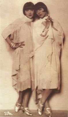 Madame d'Ora- Les Dolly Sisters, 1928-1929 #deco