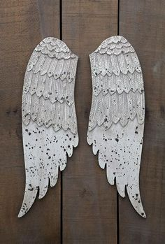 """MDF Wood Wing Set - 20"""" high, Off-White and Distressed"""