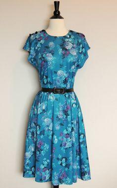 Vintage 70s FLORAL DRESS. $32.00, via Etsy.